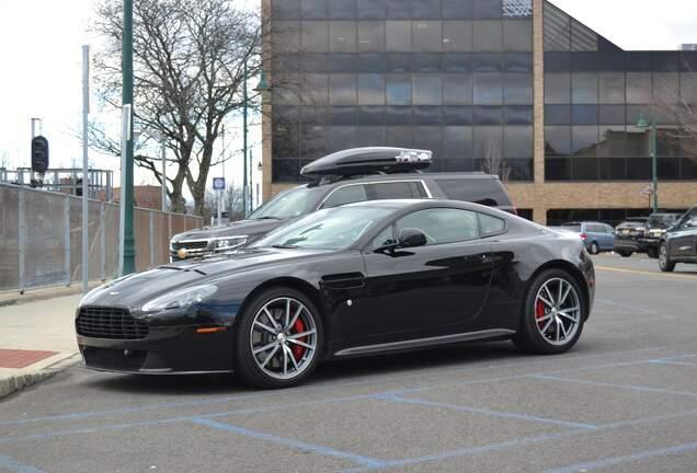 Aston Martin V8 Vantage GTS
