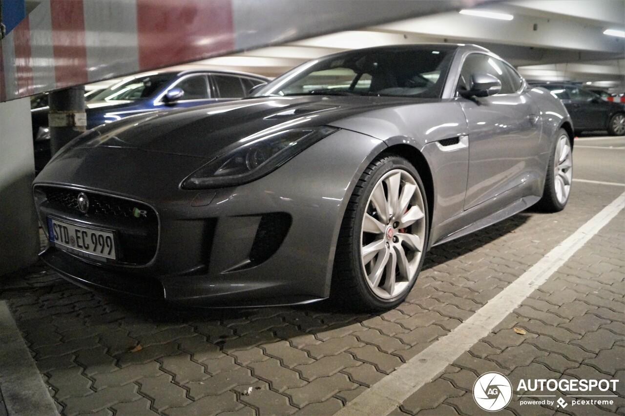 Jaguar F-TYPE R AWD Coupé - 11 January 2019 - Autogespot
