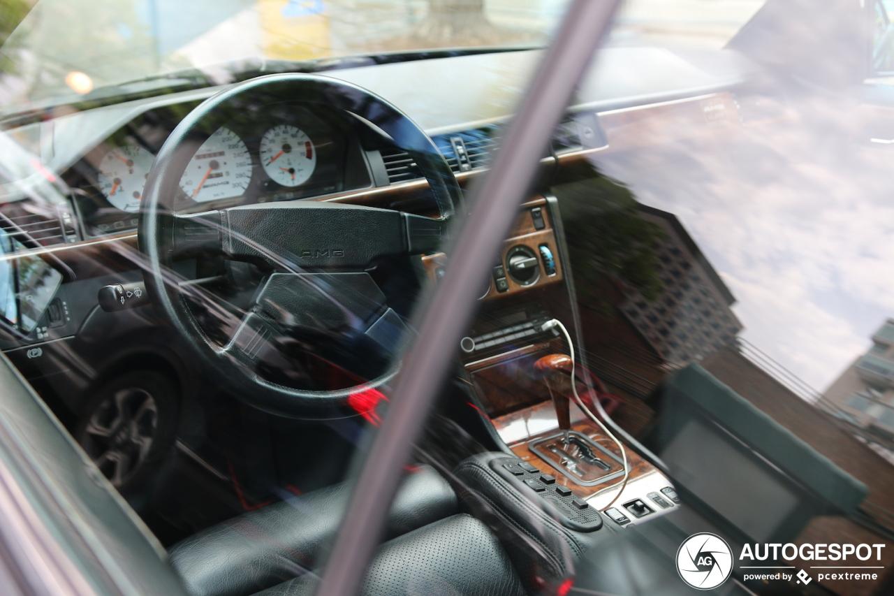 Mercedes-Benz AMG 300CE 6.0 Hammer