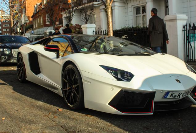 Lamborghini Aventador LP700-4 Pirelli Edition