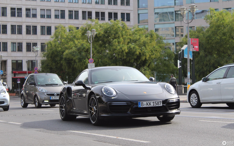 Porsche Dali Nude Photos 28