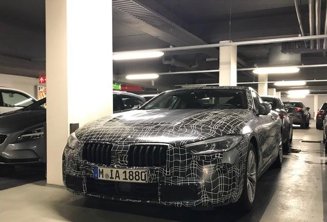 BMW 830i Coupé