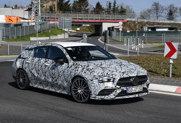 Mercedes-AMG CLA 35 Shooting Brake X118