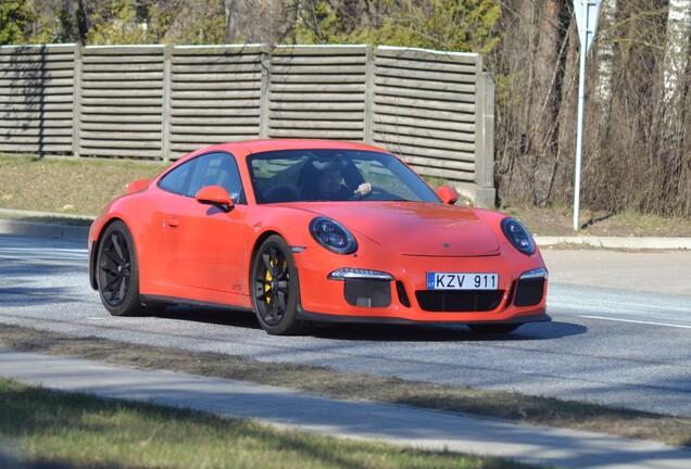 Porsche 991 Carrera GTS