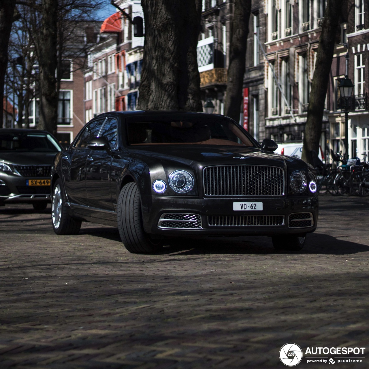 Bentley Mulsanne: Bentley Mulsanne EWB 2016