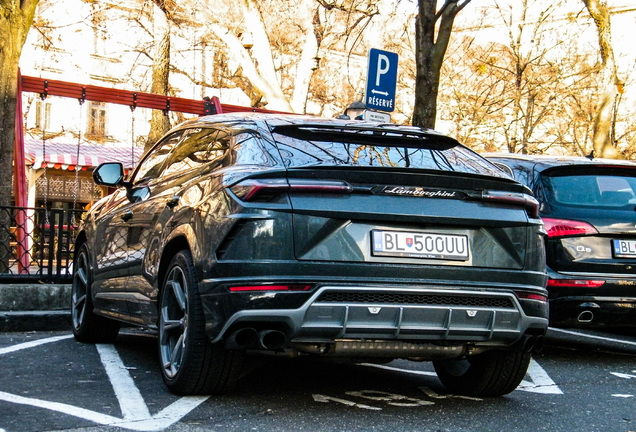 LamborghiniUrus