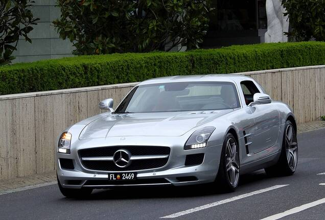 Mercedes-BenzSLS AMG