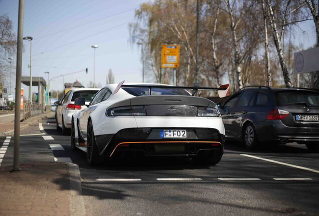 Aston MartinVantage GT12