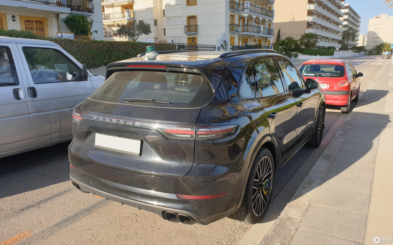 Cayenne Turbo S >> Porsche Cayenne Turbo S E Hybrid 21 May 2019 Autogespot