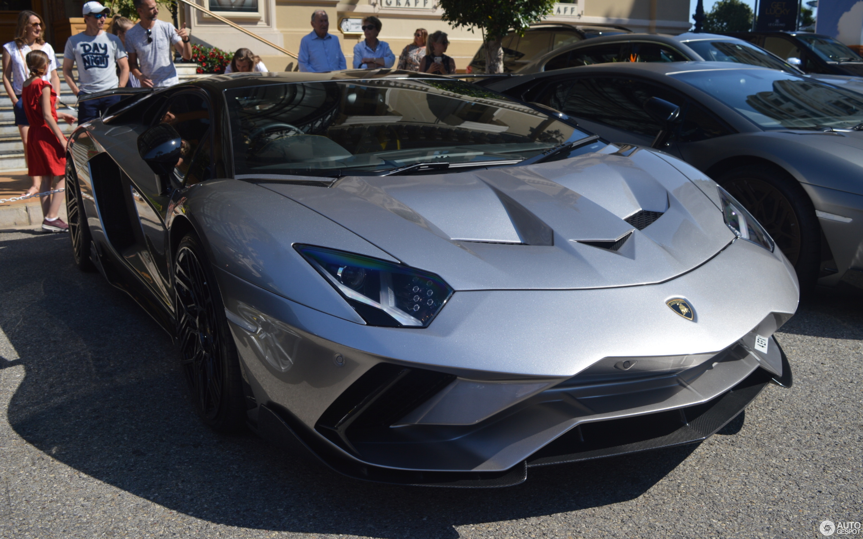 Lamborghini Aventador S LP740-4 Onyx Design