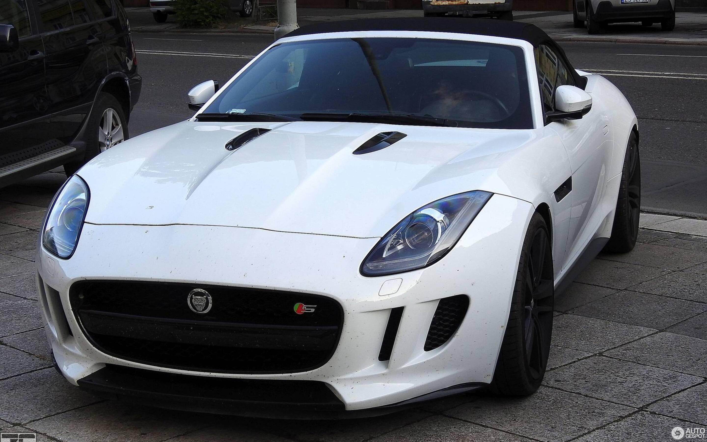 Jaguar F-TYPE S V8 Convertible - 8 June 2019 - Autogespot