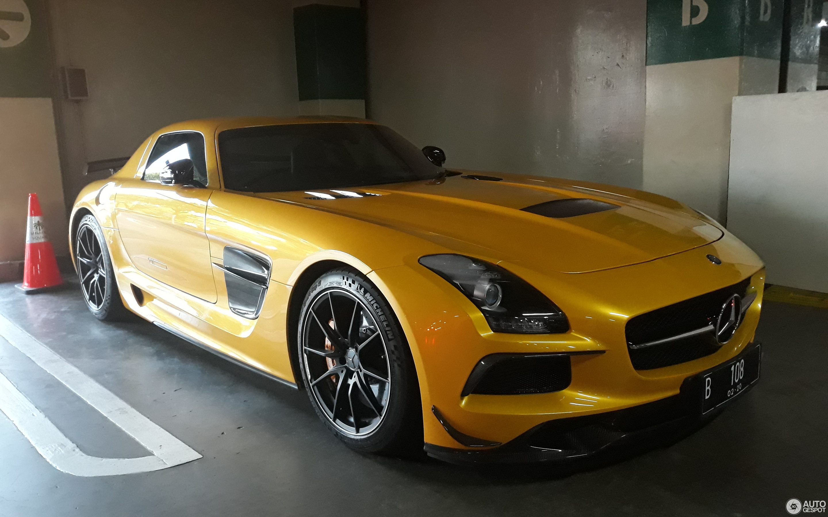 Sls Black Series >> Mercedes Benz Sls Amg Black Series 8 July 2019 Autogespot