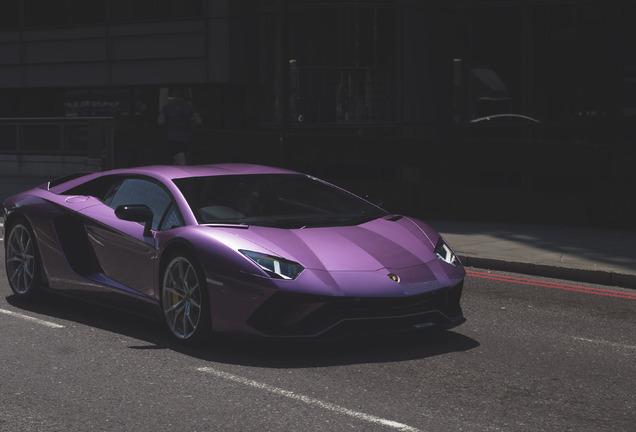 LamborghiniAventador S LP740-4