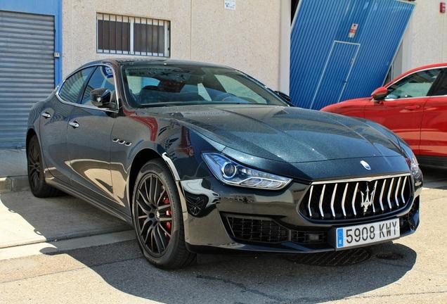 Maserati Ghibli SQ4 GranSport Ribelle