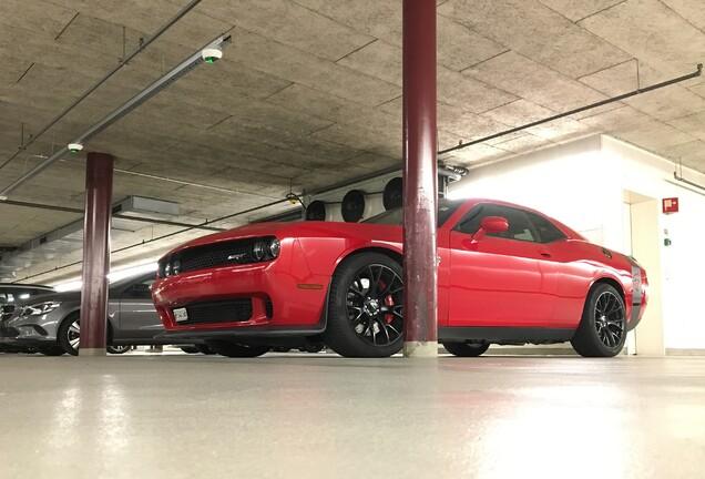 Dodge Challenger SRT-8 Hellcat