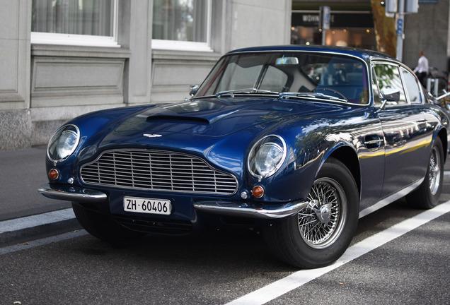 Aston MartinDB6 MKII