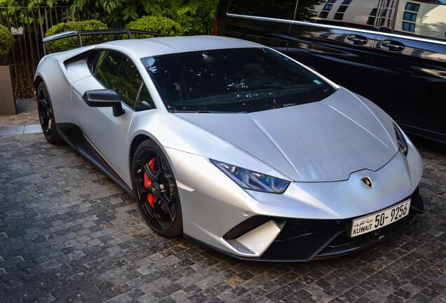 LamborghiniHuracán LP640-4 Performante