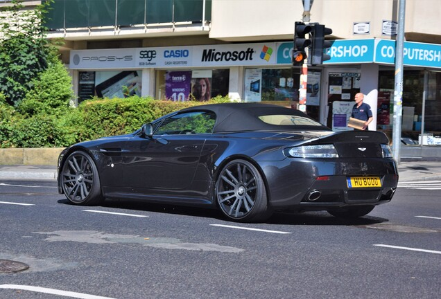 Aston MartinV12 Vantage Roadster