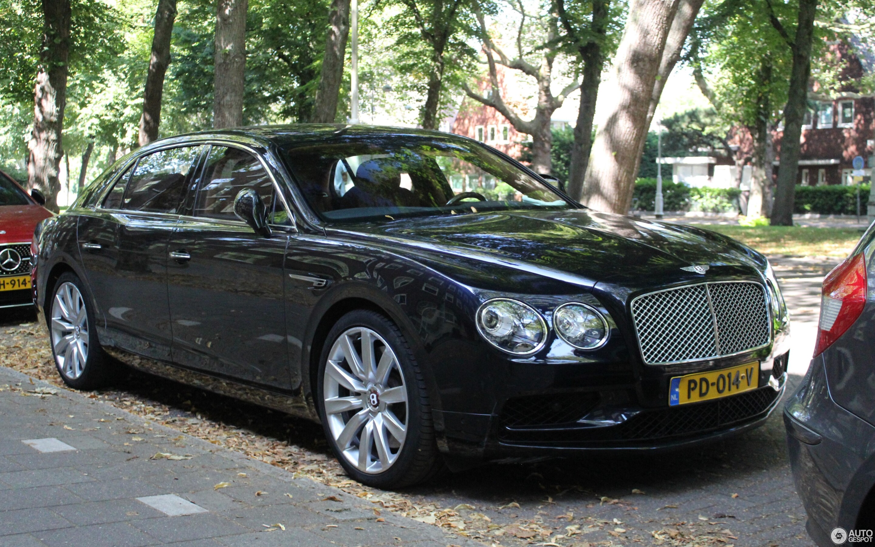 Bentley Flying Spur V8 S - 26 August 2019 - Autogespot
