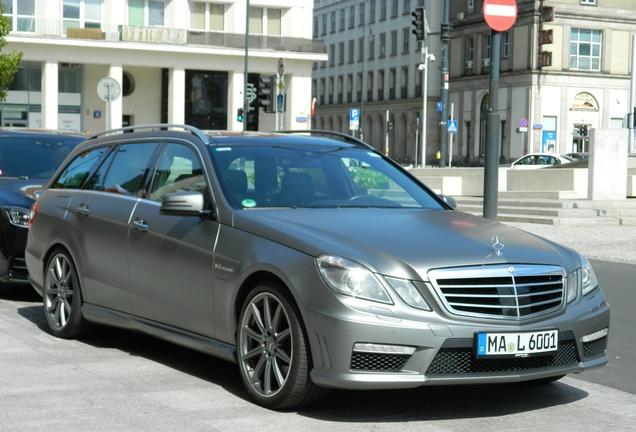 Mercedes-Benz E 63 AMG S212 V8 Biturbo
