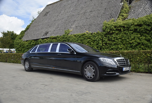 Mercedes-Maybach S 600 Pullman VV222