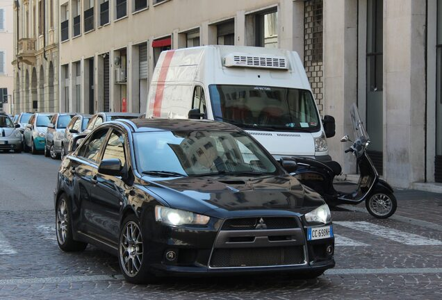 Mitsubishi Lancer Evolution X MR
