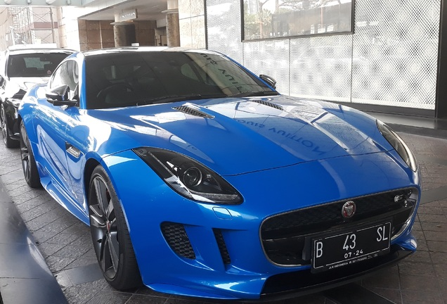 Jaguar F-TYPE S Coupé British Design Edition