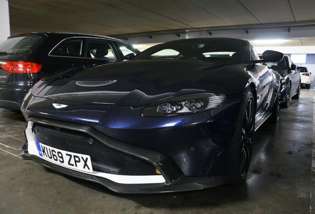 Aston Martin V8 Vantage 2018