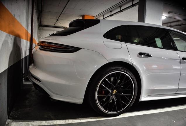 Porsche 971 Panamera Turbo Sport Turismo