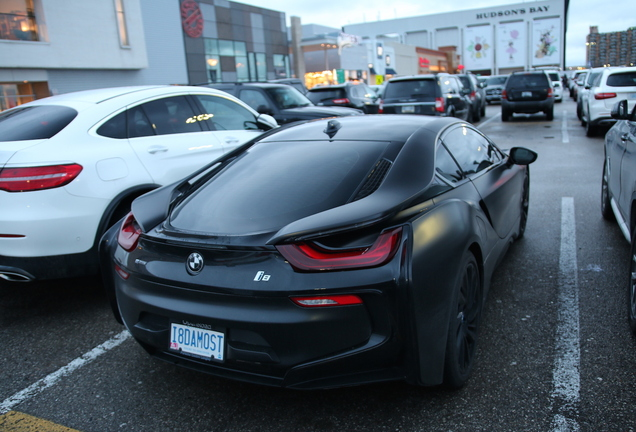 BMW i8 Protonic Frozen Black Edition