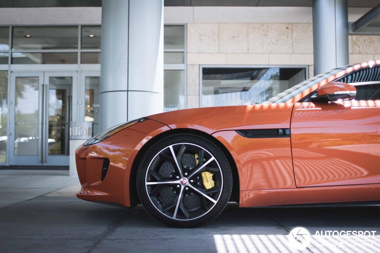 Jaguar F-TYPE R Coupé - 9 november 2019 - Autogespot