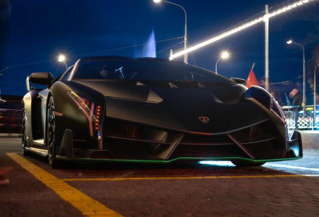 LamborghiniVeneno LP750-4 Roadster