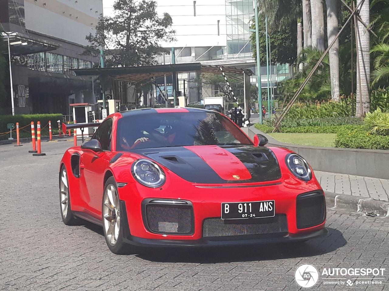 Deze Indonesier heeft een vermogen betaald voor zijn Porsche GT2 RS