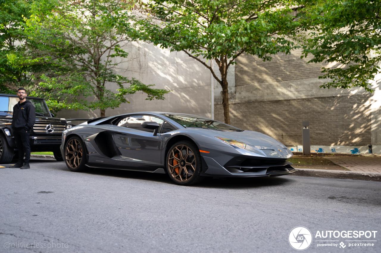 Viermaal leuk kleurtje op de Lamborghini Aventador LP770-4 SVJ