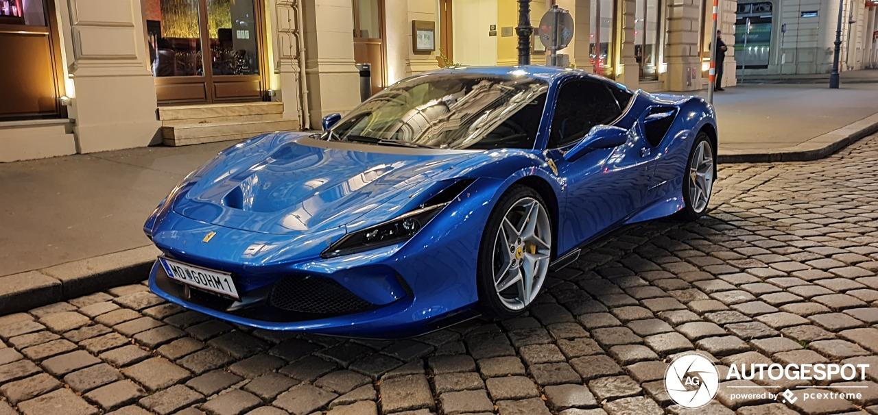 Eerste blauwe Ferrari F8 Tributo gespot in Wenen!