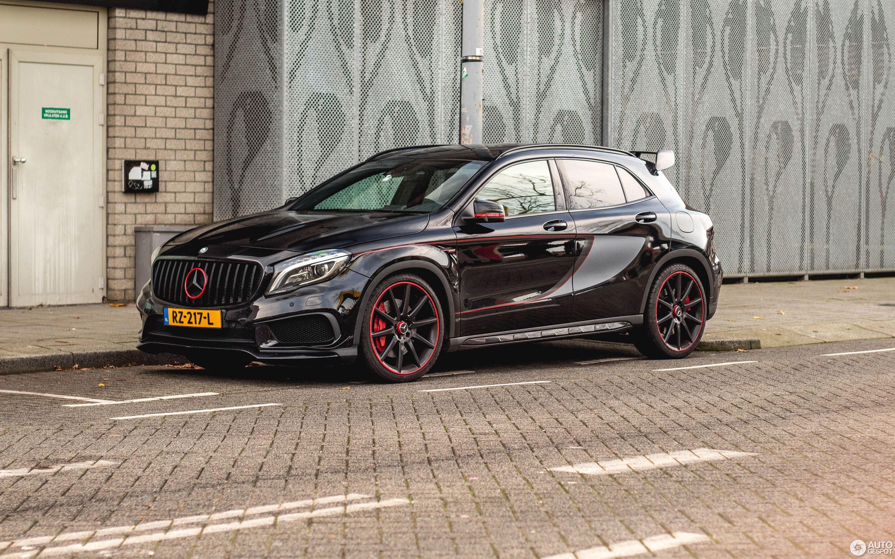 Mercedes-Benz GLA 45 AMG Edition 1 - 2 december 2019 - Autogespot