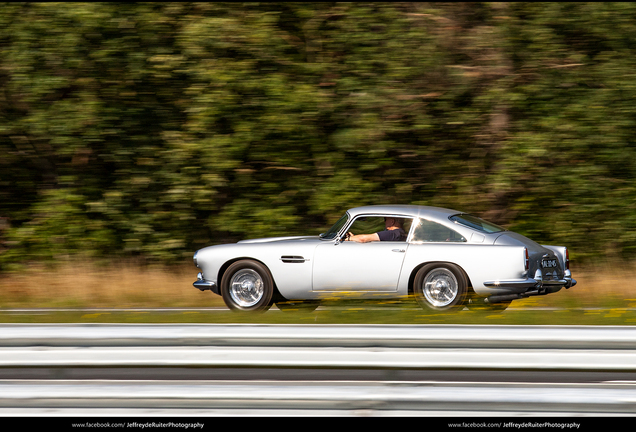 Aston MartinDB4