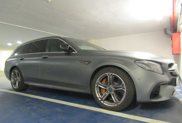 Mercedes-AMG Brabus E B40S-800 Estate S213