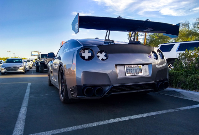 Nissan GT-R Liberty Walk Widebody